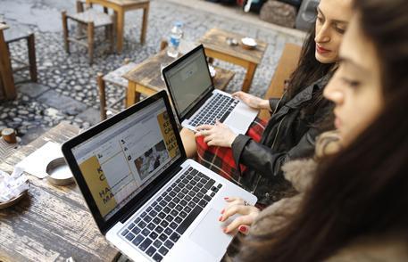 Giovani sul web
